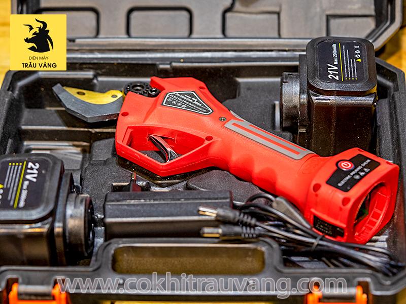 máy cắt cành dùng pin 21V
