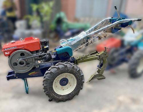 máy cày xới đất dắt tay